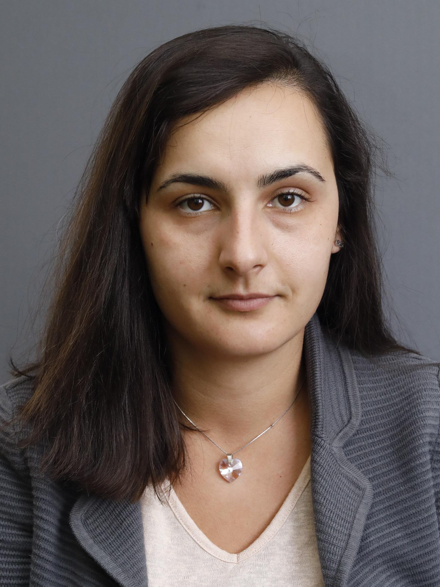 Деница Богданова